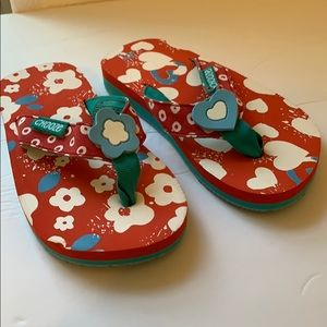 Chooze Flip Flops Flowers and Hearts size 10